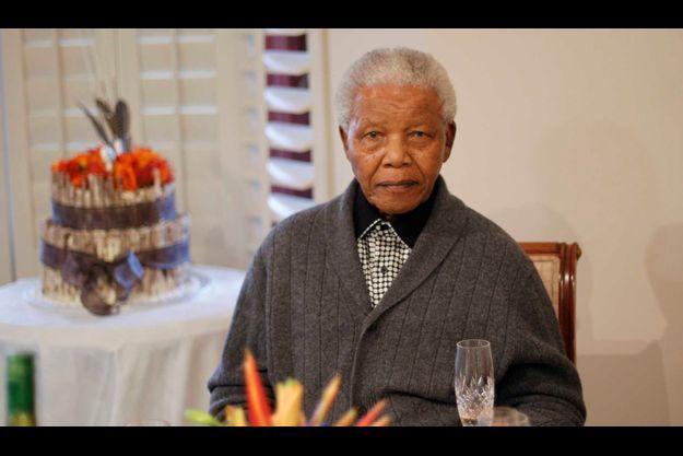 Nelson Mandela fêtant ses 94 ans en juillet dernier, chez lui à Qunu.