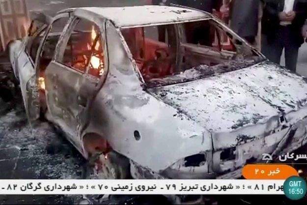 Des voitures ont été brûlés à Tuyserkan.