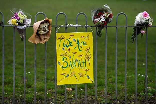 Des mots d'anonymes à Londres après l'enlèvement et le meurtre de Sarah Everard, le 16 mars 2021
