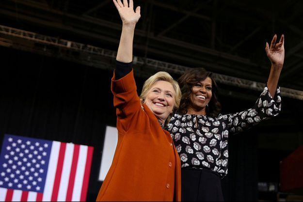 Hillary Clinton et Michelle Obama en octobre 2017, en Caroline du Nord.