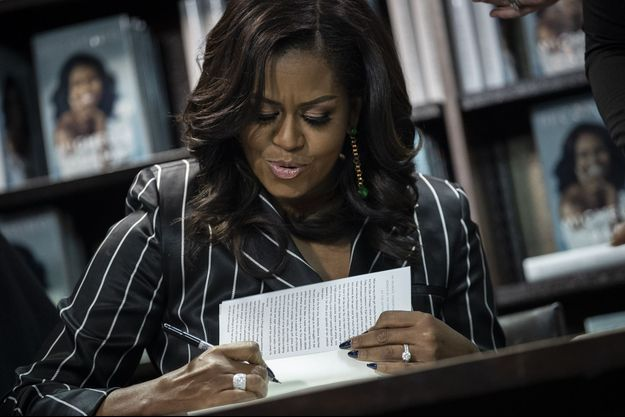 "Michelle Obama et son livre ""Devenir""."
