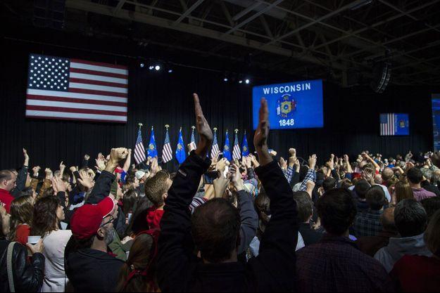 Le gouverneur Scott Walker célèbre la victoire des républicains dans le Wisconsin.