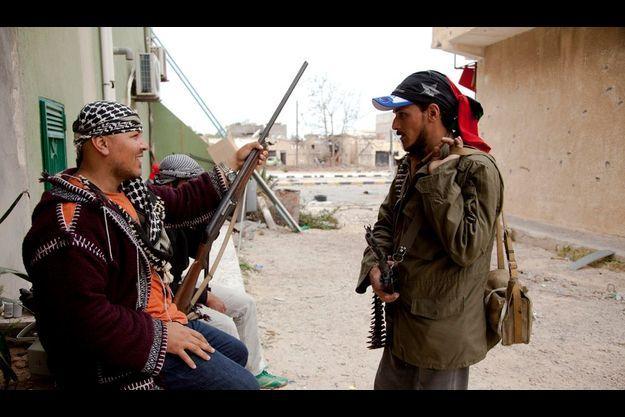 Insurgés combattants de Misrata.