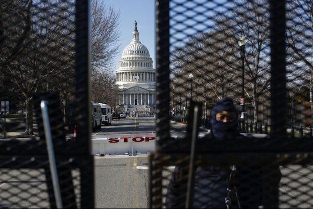 Aux abords du Capitole, à Washington, samedi.