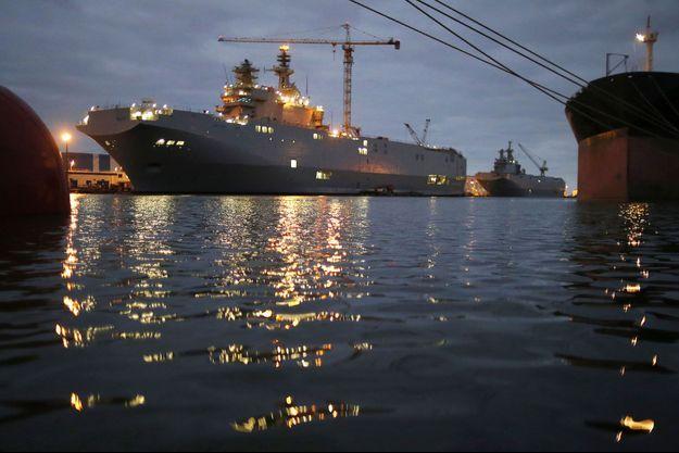 """Le """"Sébastopol"""" et le """"Vladivostok"""" à Saint-Nazaire, en décembre dernier."""