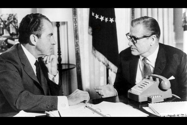 A son retour, il rend compte à Nixon de sa mission qui a mis le continent sud-américain en ébullition : « Nous voulions savoir ce que l'Amérique latine pensait. De ce point de vue, le voyage est un extraordinaire succès. »