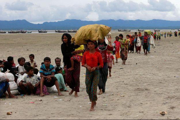 Plus de 300 000 rohingyas ont déjà pris la route de l'exil.