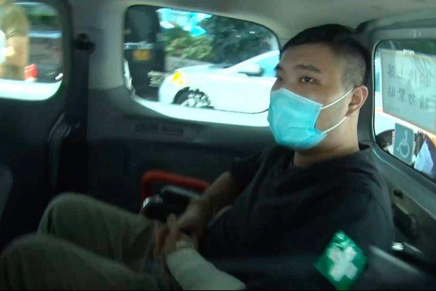 Leon Tong Ying-kit arrivant au tribunal de Hong Kong, le 27 juillet 2021.