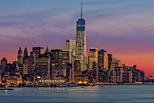 Sur cette photo prise le 28 décembre 2013, la «One World Trade Center» conçue par l'Américain David Childs, 80 étages de verre et d'acier. Ses inventeurs ont voulu en faire l'un des bâtiments les plus sûrs du monde.