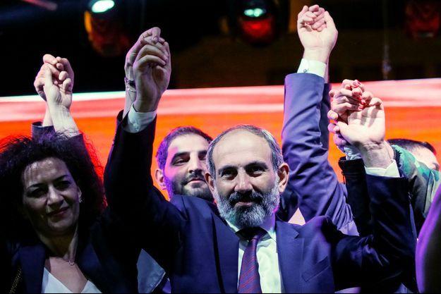Nikol Pachinian lors d'une manifestation à Erevan, le 1er mai.