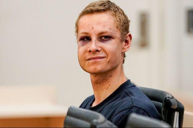 Philip Manshaus, l'auteur de la fusillade dans une mosquée des environs d'Oslo au tribunal, le 12 août.