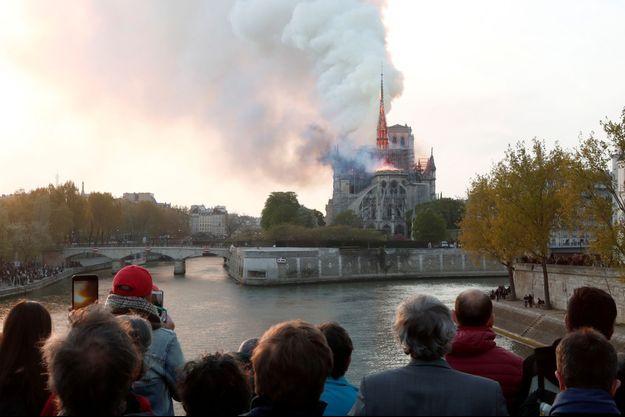 L'incendie à Notre-Dame de Paris.
