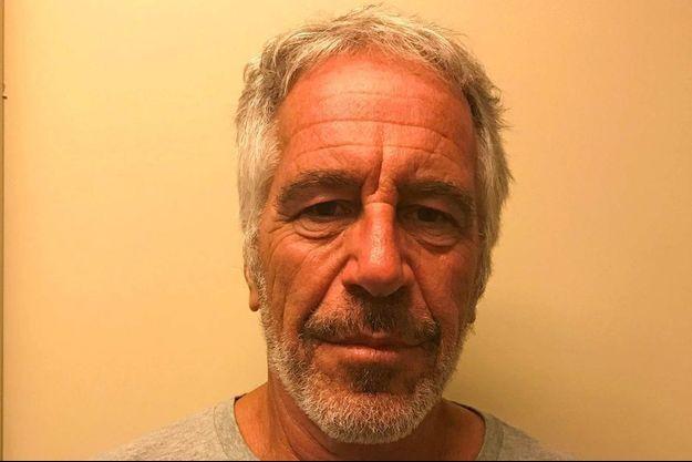 Jeffrey Epstein a été retrouvé blessé dans sa cellule.