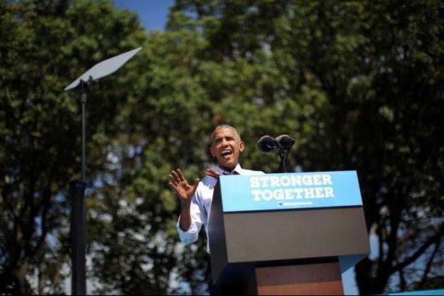 Barack Obama en meeting à Philadelphie mardi.