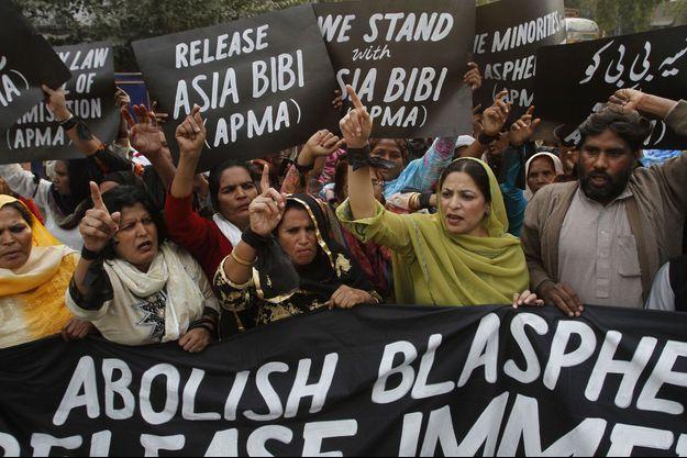 Des manifestants demandant la libération d'Asia Bibi au Pakistan, en 2010.