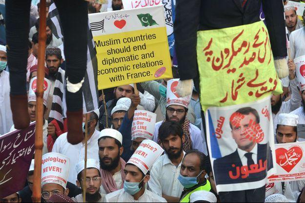 Photo prise lors d'une manifestation hostile à la position française sur le droit à la caricature.