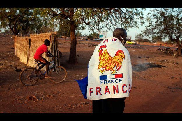De nombreux maliens soutiennent l'intervention française comme cet homme, à Bamako.