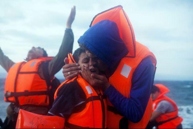 Des migrants arrivant à Lesbos le 1er octobre.