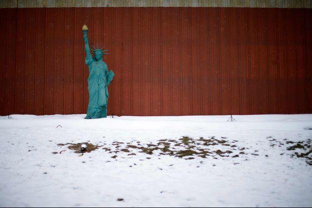 Une version miniature de la Statue de la Liberté à Jewell, dans l'Iowa.