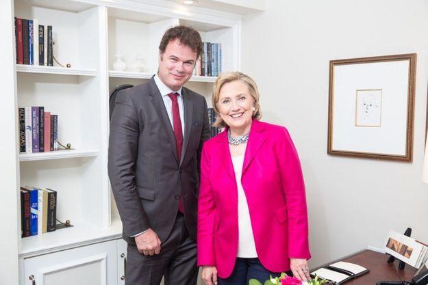 Notre journaliste Olivier O'Mahony et Hillary Clinton, à New York, au 18e étage de l'hôtel Peninsula