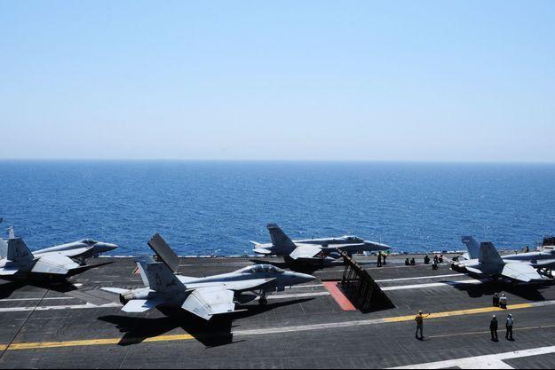 Sur le porte-avions USS George H.W. Bush