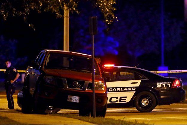La police était sur place dimanche soir