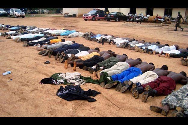 Des islamistes liés à Boko Haram, arrêtés en 2009.