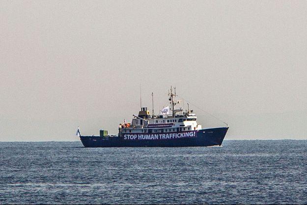 """Le """"C-Star"""" au large de la Libye, le 5 août."""