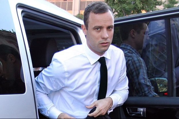 Oscar Pistorius, à son arrivée au tribunal de Pretoria ce vendredi.
