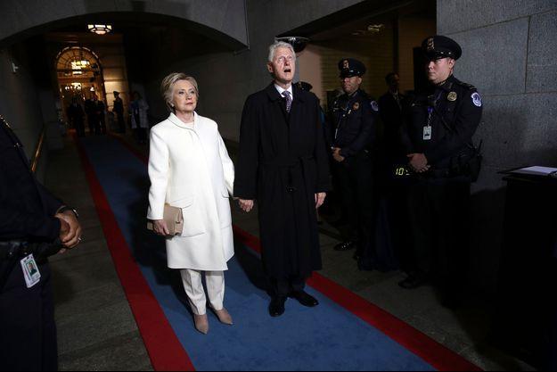Les Clinton à leur arrivée au Congrès.