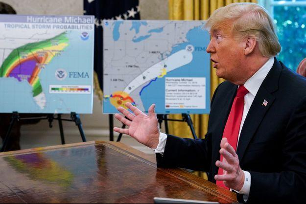 Le président des Etats-Unis Donald Trump commente l'arrivée de l'ouragan Michael sur les côtes américaines en octobre 2018.
