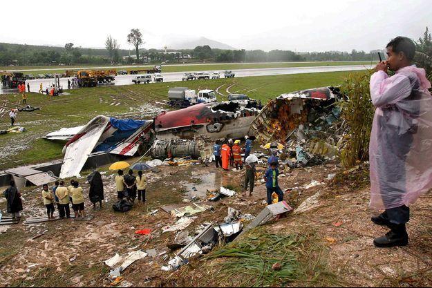 Avion détruit à Phuket, le 17 septembre 2007.