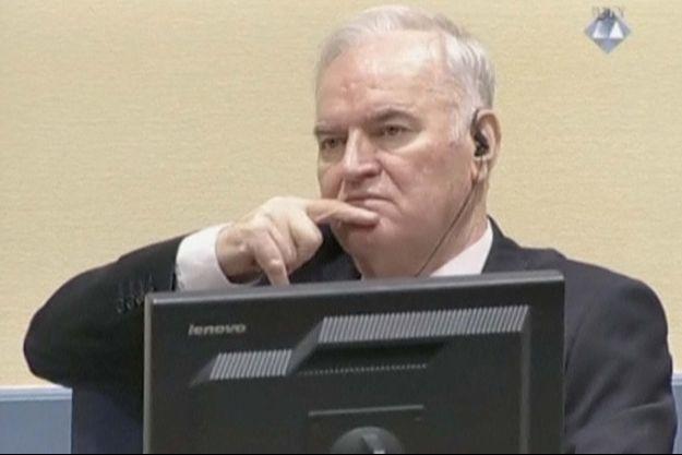 Ratko Mladic lors de son procès à la Cour de justice internationale de La Haye.