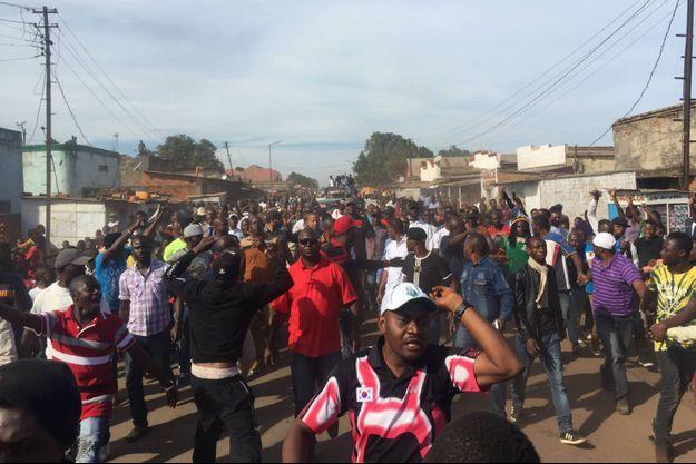 La réunion publique organisée par les équipes de Moïse Katumbi dimanche 24 avril 2016 à Lubumbashi s'est transformée en course poursuite avec les forces de l'ordre
