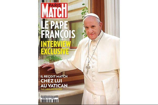 Le pape François en une de Paris Match, cette semaine.