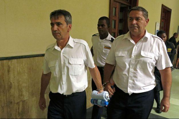 Bruno Odos et Pascal Fauret, arrêtés en mars 2013, dans un tribunal de Saint-Domingue, la capitale de la République dominicaine en mai dernier.
