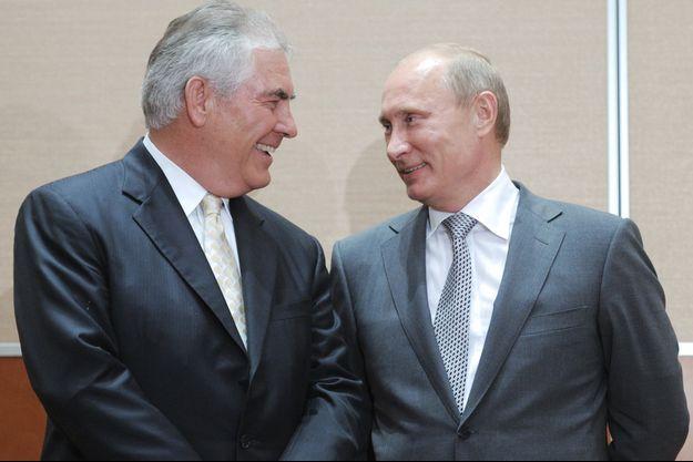 Rex Tillerson et Vladimir Poutine en août 2011.