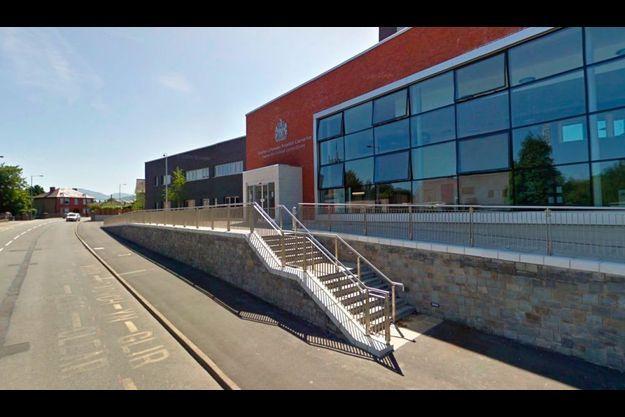 Le tribunal de Caernarfon, où le verdict a été rendu vendredi dernier. Pour la relation incestueuse qu'il a entretenue avec sa fille, un Britannique de 47 ans a écopé de cinq ans et dix mois de prison