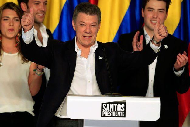 Juan Manuel Santos le soir de sa réélection, dimanche.