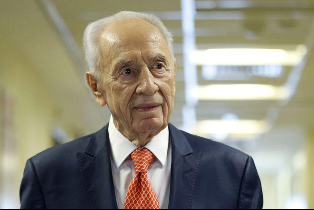 Shimon Peres en janvier 2016, à sa sortie de l'hôpital.