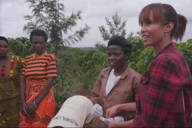 Sonia Rolland dans son documentaire «Femmes du Rwanda».