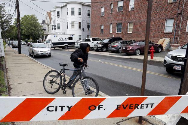 Le quartier d'Everett où a eu lieu l'interpellation a été bouclé.