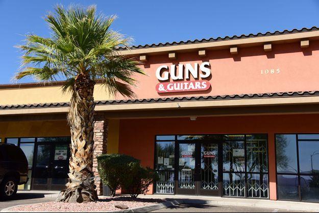 La devanture du magasin Guns & Guitars de Mesquite.