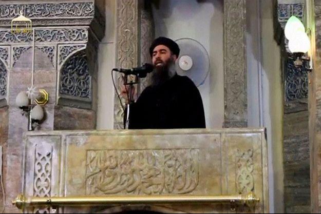 Abou Bakr al-Baghdadi sur la seule vidéo de lui connue.