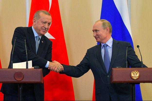 Poignée de main entre Recep Tayyip Erdogan et Vladimir Poutine.