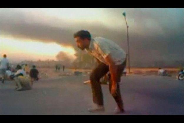 Image capturée sur une vidéo tournée dimanche à Hama, en Syrie.