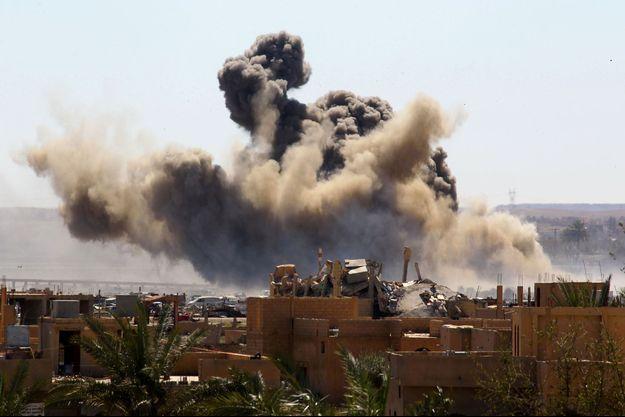 Le village de Baghouz en Syrie a été bombardé par les forces de la coalition.