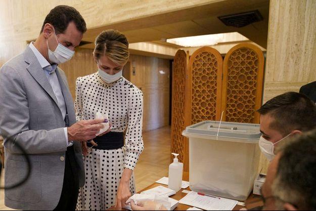 Le président syrien Bachar al-Assad et son épouse Asma le 19 juillet 2020.