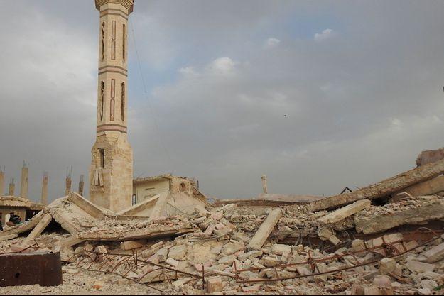 Débris d'une mosquée de la région de Hama, après une attaque du régime d'Assad en avril 2017.