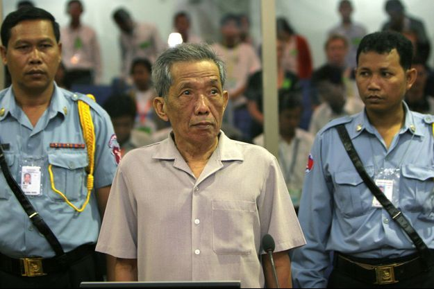 Kaing Guek Eav, dit Douch, le 5 décembre 2008 lors de son procès à Phnom Penh, au Cambodge.